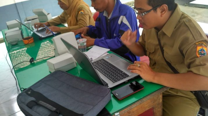 Para peserta sedang membuat Artikel Berita. Dokumentasi pos Puspindes.